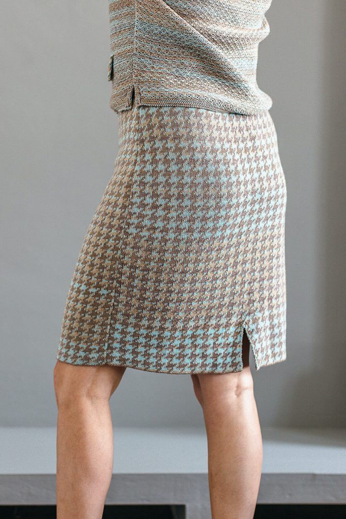 Knitted Knee Length Pencil Skirt In Pieds De Poule Pattern Tweed Fair D