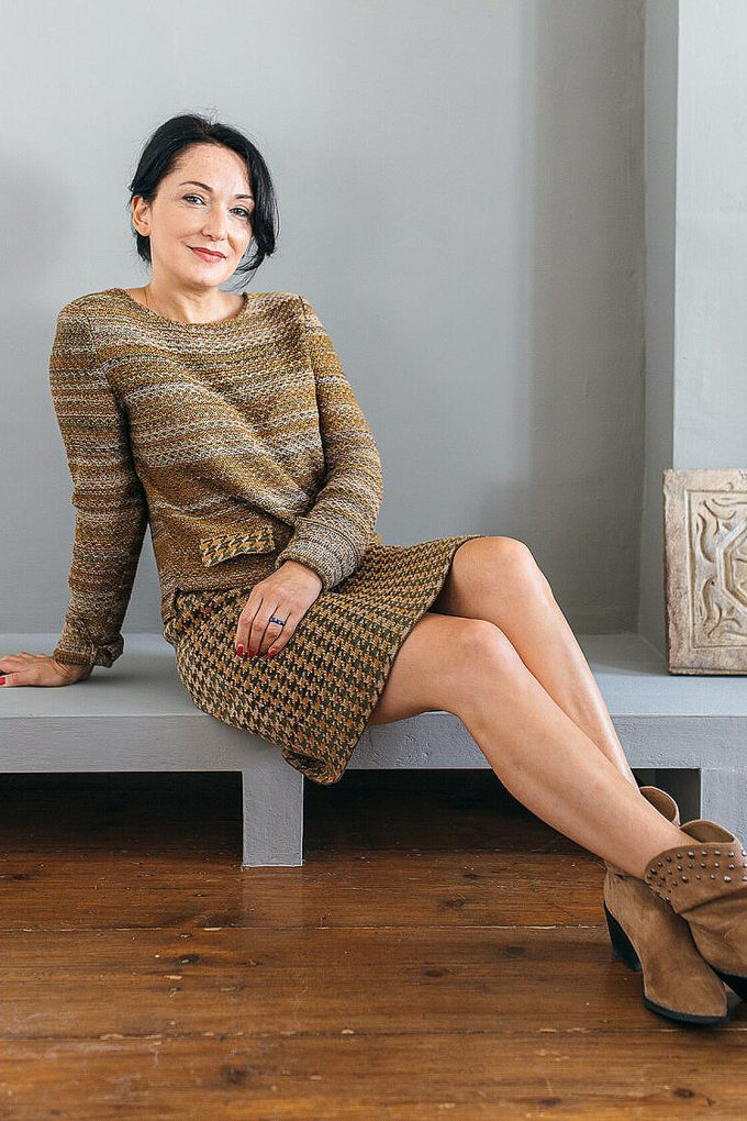 Knitted Knee Length Pencil Skirt In Pieds De Poule Pattern Tweed Moss C
