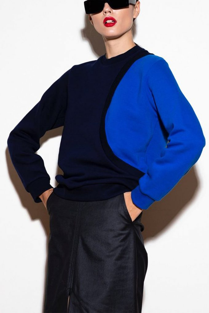 OL10000179 One sleeve sweatshirt blue3