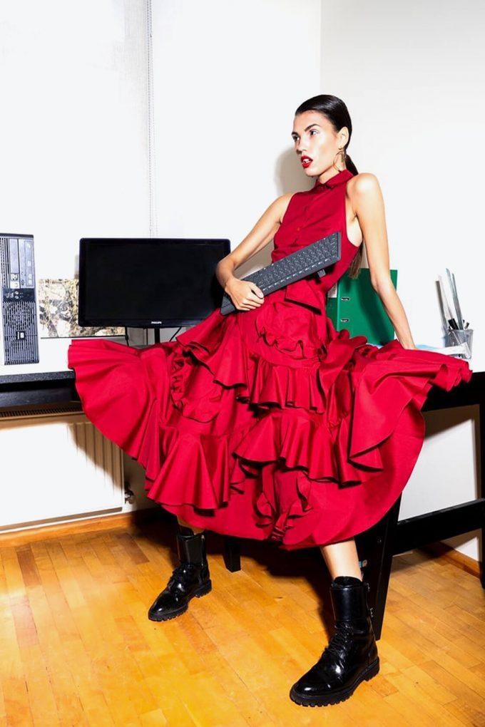 OL10000199 Planet dress3