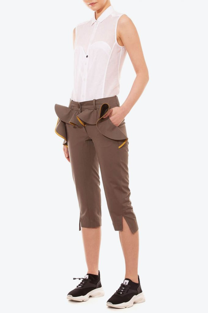 OL10000236 Slim fit breeches with ruffle khaki3