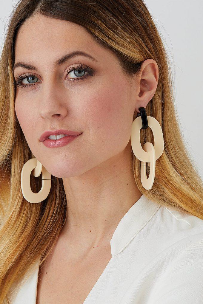 OL50000117 Cream Hoop Statement Earrings2