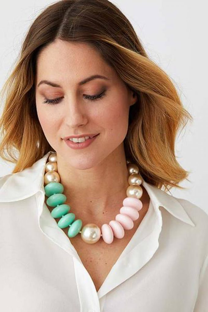 OL50000124 Pearl Pastel Statement Necklace2