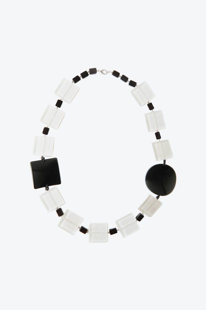 OL50000126 White Black Classic Retro Necklace1B