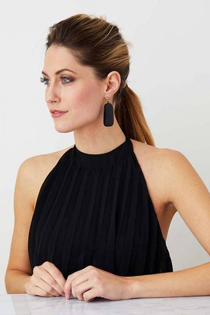 OL50000136 Sleek Black Earrings2