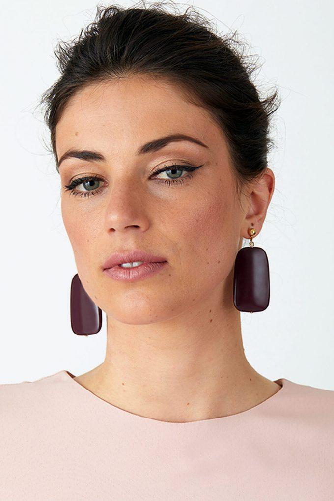 OL50000137 Sleek Maroon Earrings2