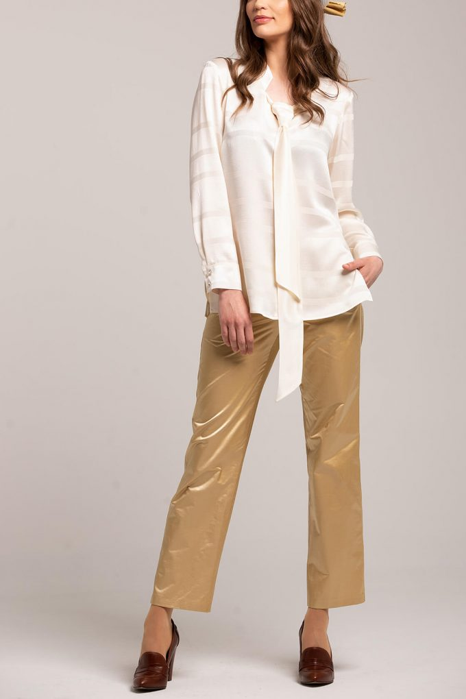 OL100002637 Adriana Blouse With Tie Detail2