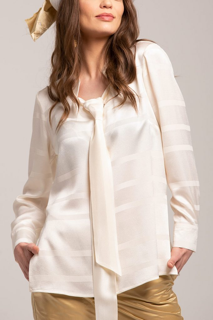 OL100002637 Adriana Blouse With Tie Detail3