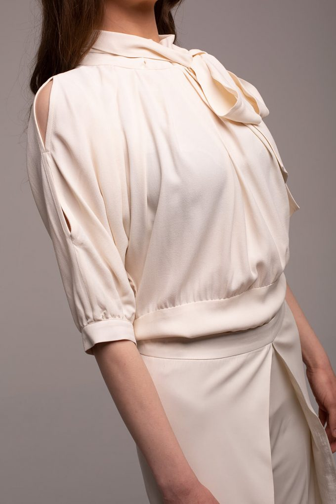 OL100002657 Violeta Slim Fit Viscose Blouse With Bow2