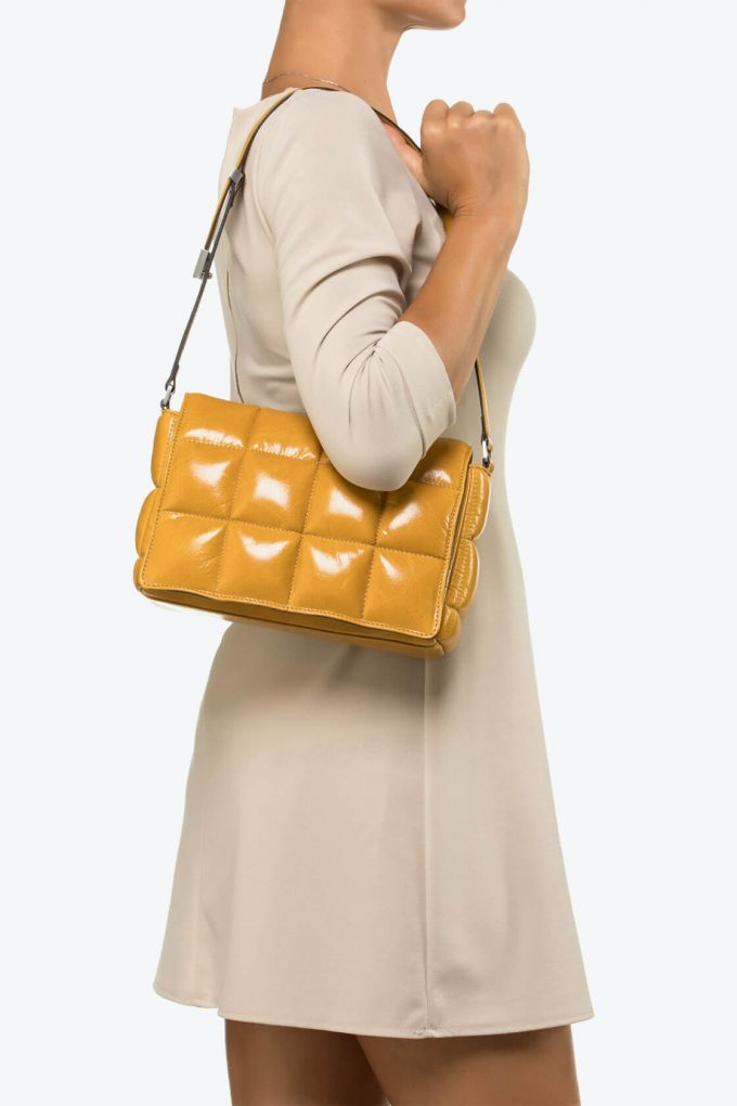 ol80000041 sofia medium shoulder bag 4