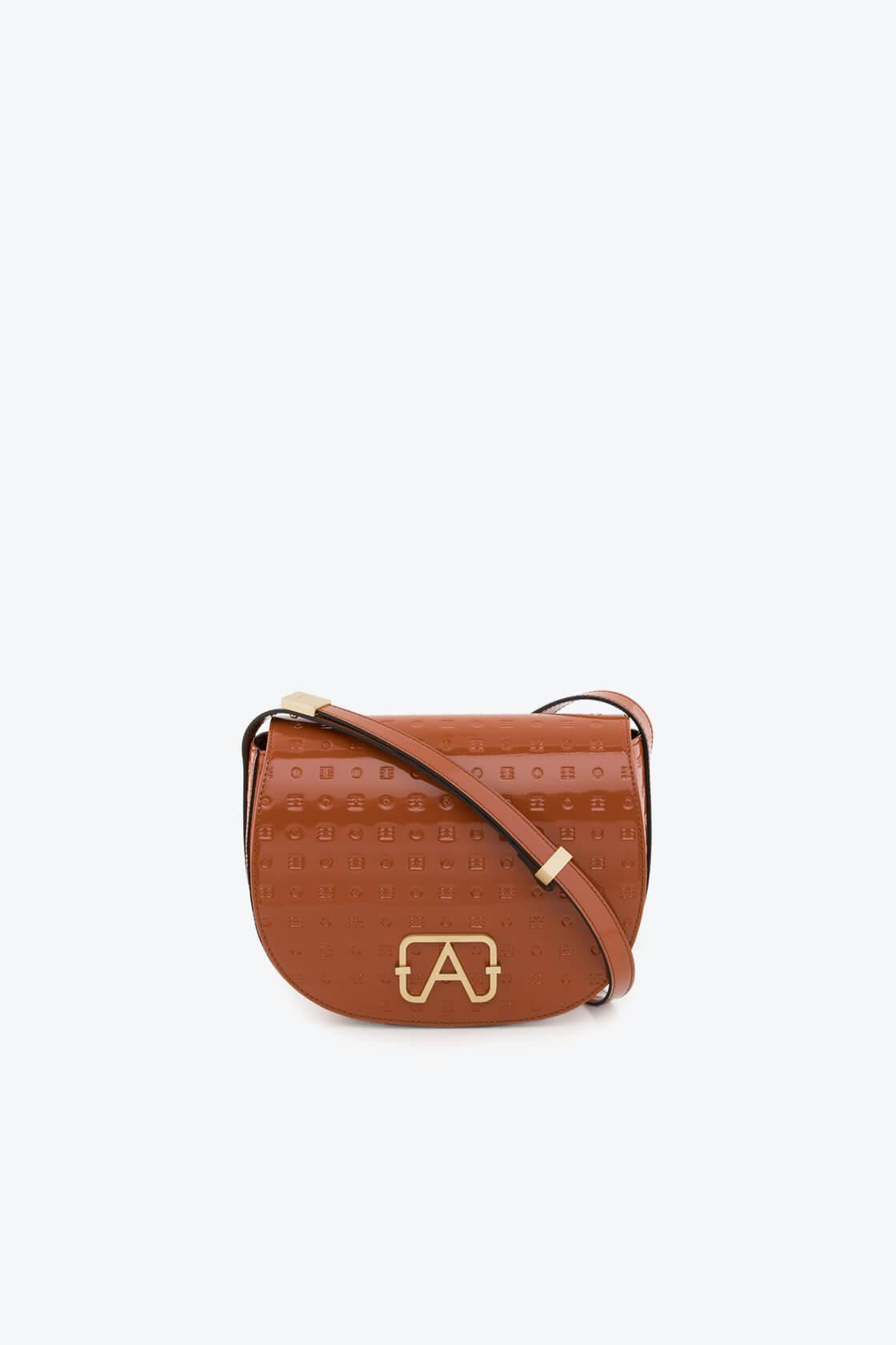 ol80000045 boxy medium crossbody bag 1