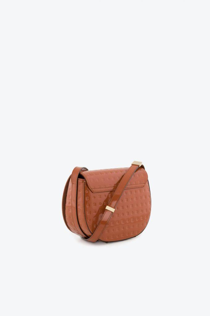 ol80000045 boxy medium crossbody bag 2