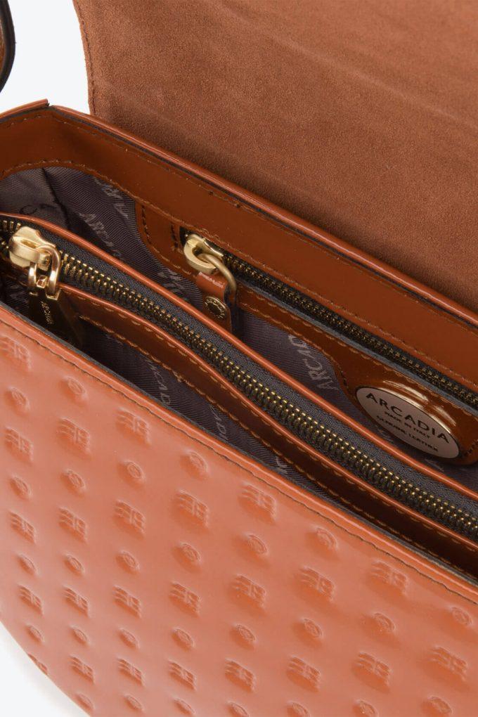 ol80000045 boxy medium crossbody bag 3