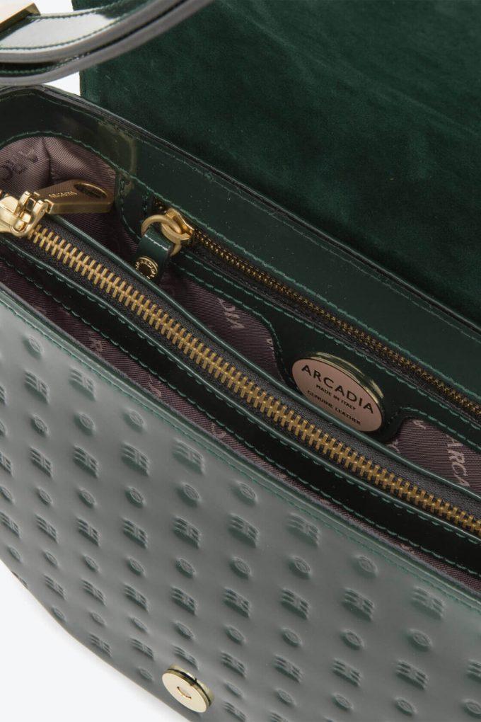 ol80000049 boxy medium crossbody bag 3