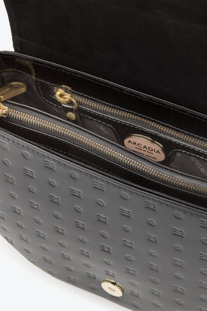ol80000053 boxy medium crossbody bag 3