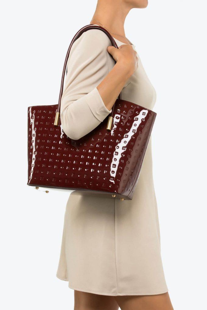 ol80000058 shelly large shoulder bag 4