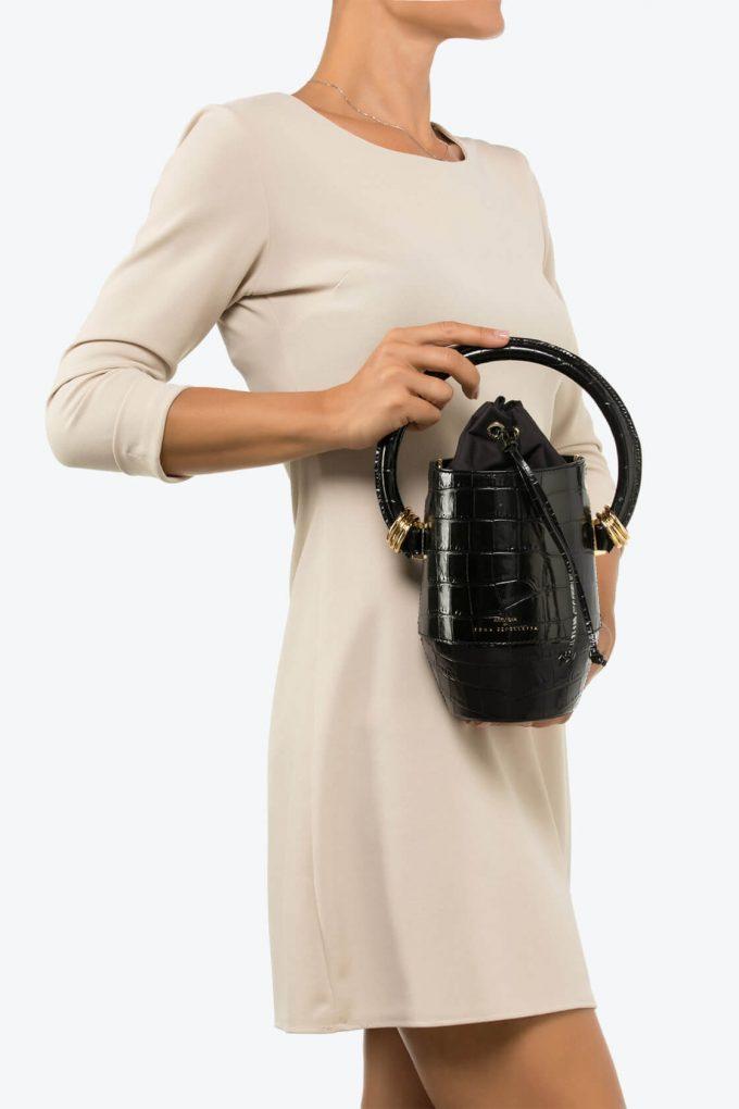 ol80000065 clay small bucket bag 4