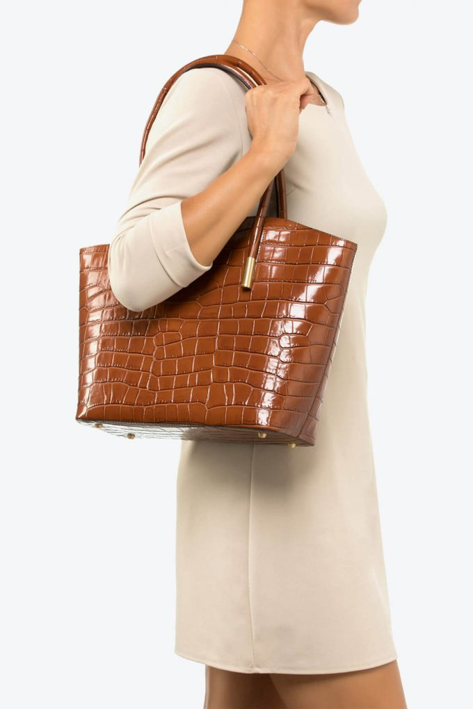 ol80000070 shelly large shoulder bag 4