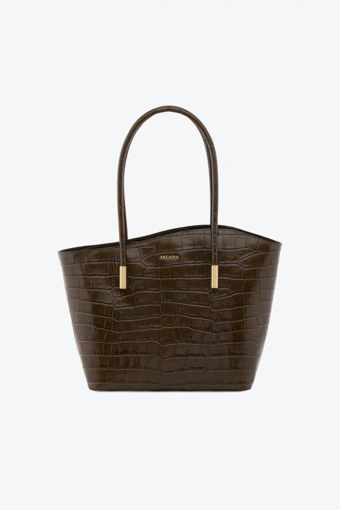 ol80000072 shelly large shoulder bag 1b