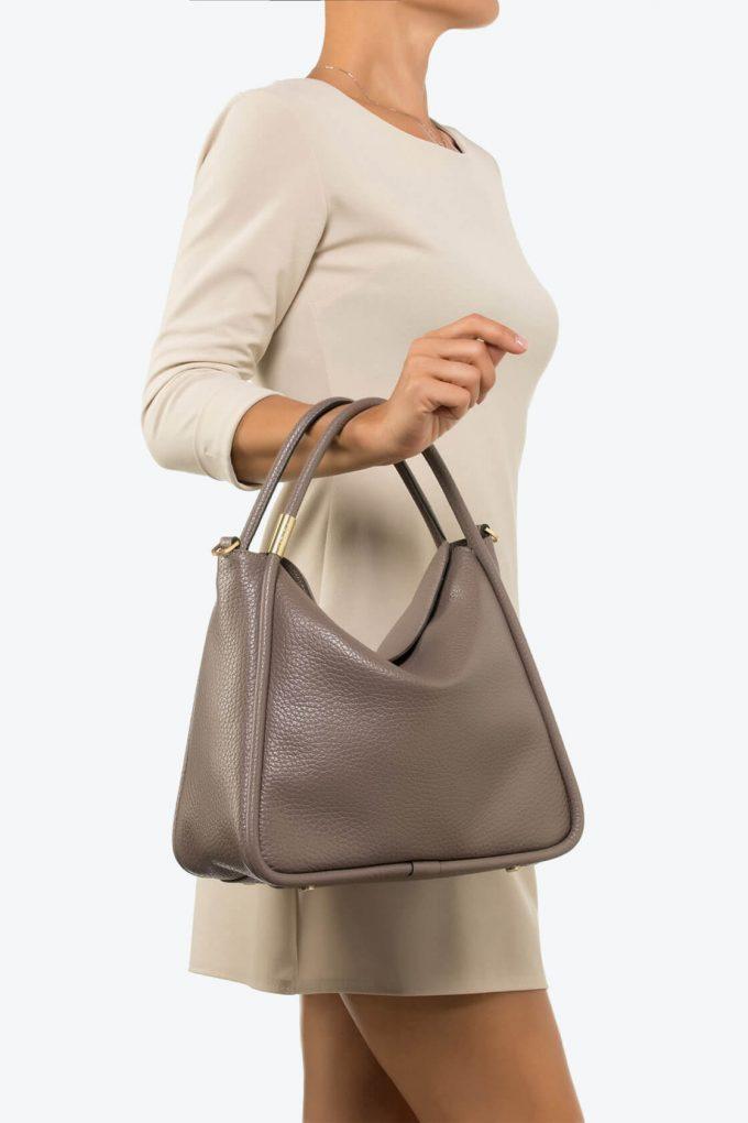 ol80000074 futura large shoulder bag 4