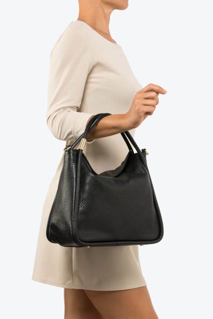 ol80000078 futura large shoulder bag 4