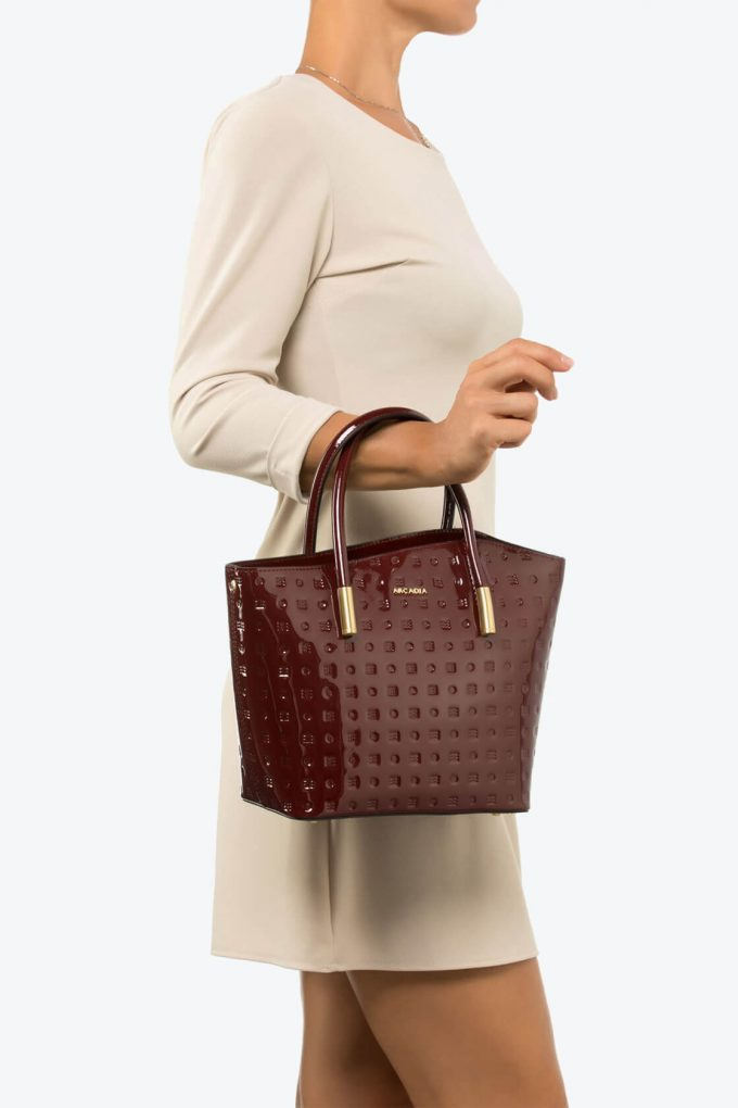 ol80000087 shelly medium top handle bag 4