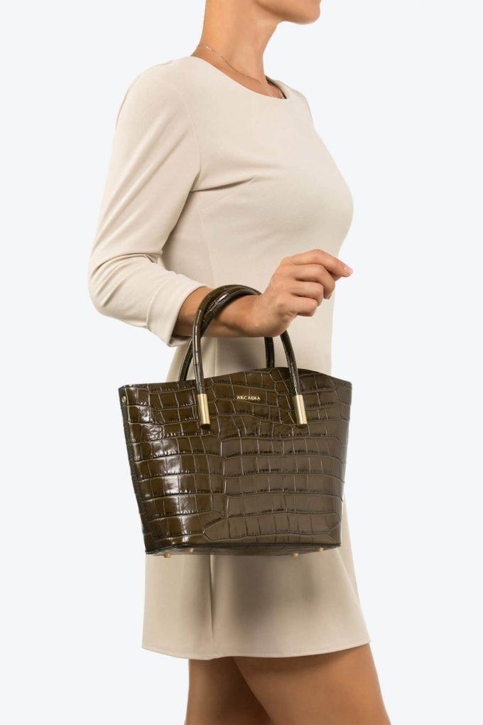ol80000101 shelly medium top handle bag 4