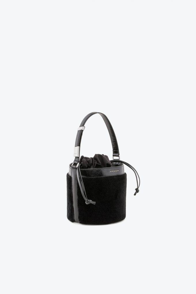 ol80000125 medea small bucket bag 1b