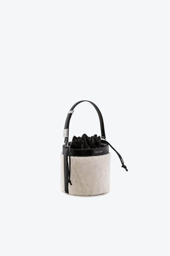 ol80000126 medea small bucket bag 1b