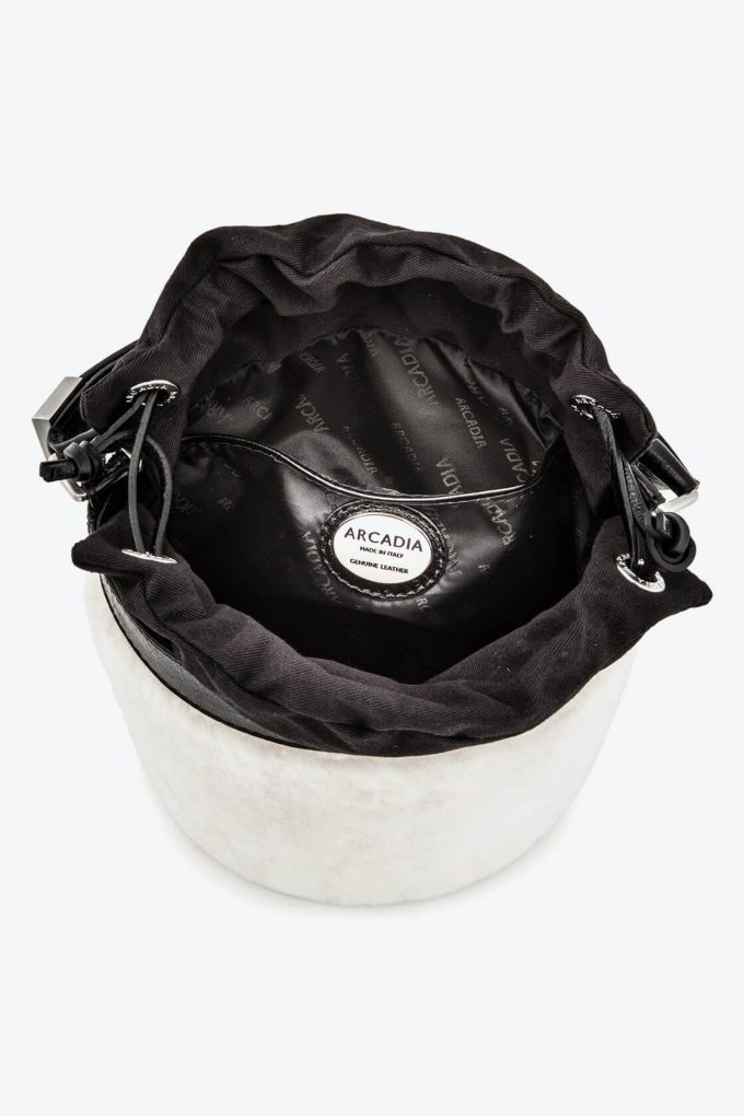 ol80000126 medea small bucket bag 3