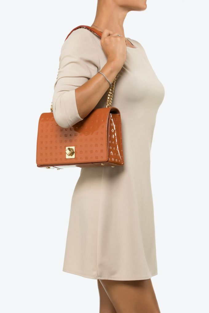 ol80000128 laila lock medium cross body bag 4