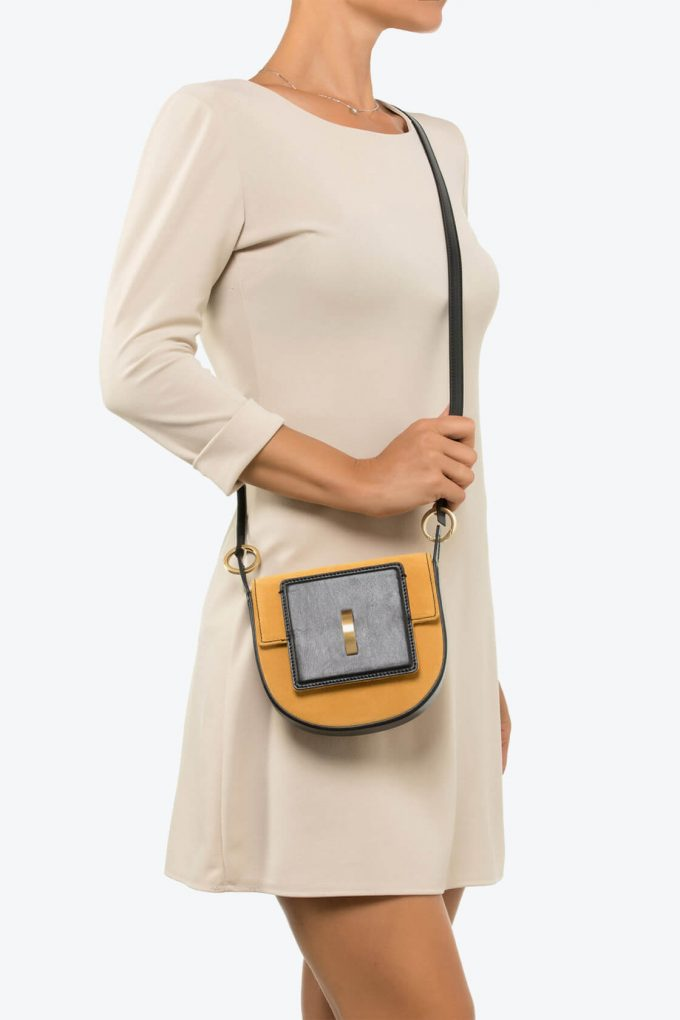 ol80000130 luna small crossbody bag 4