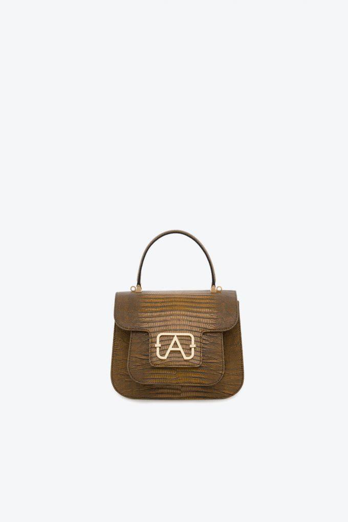 ol80000132 boxy small crossbody bag 1b