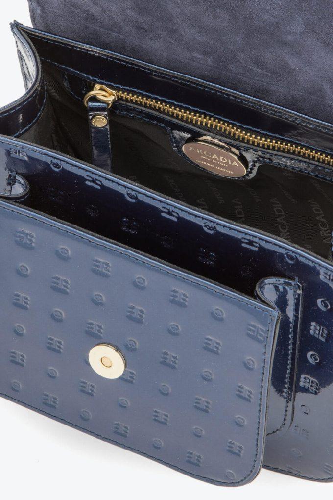 ol80000135 boxy small crossbody bag 3