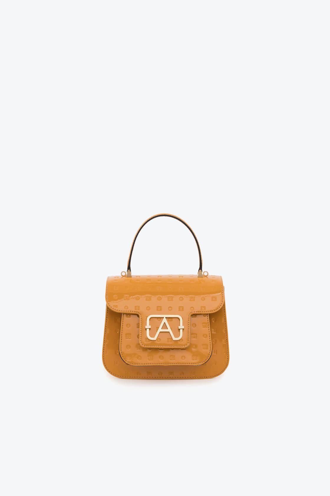 ol80000137 boxy small crossbody bag 1