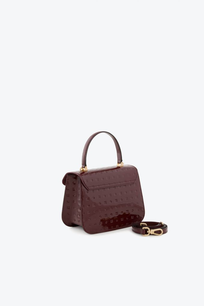 ol80000138 boxy small crossbody bag 3