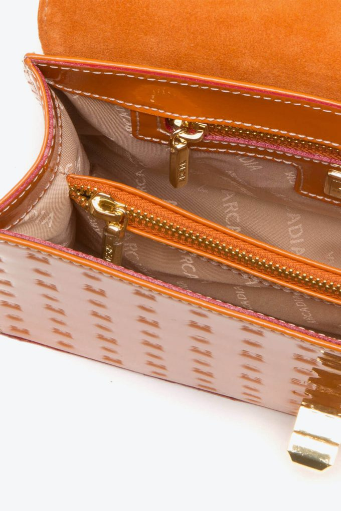 ol80000148 laila lock medium cross body bag 3