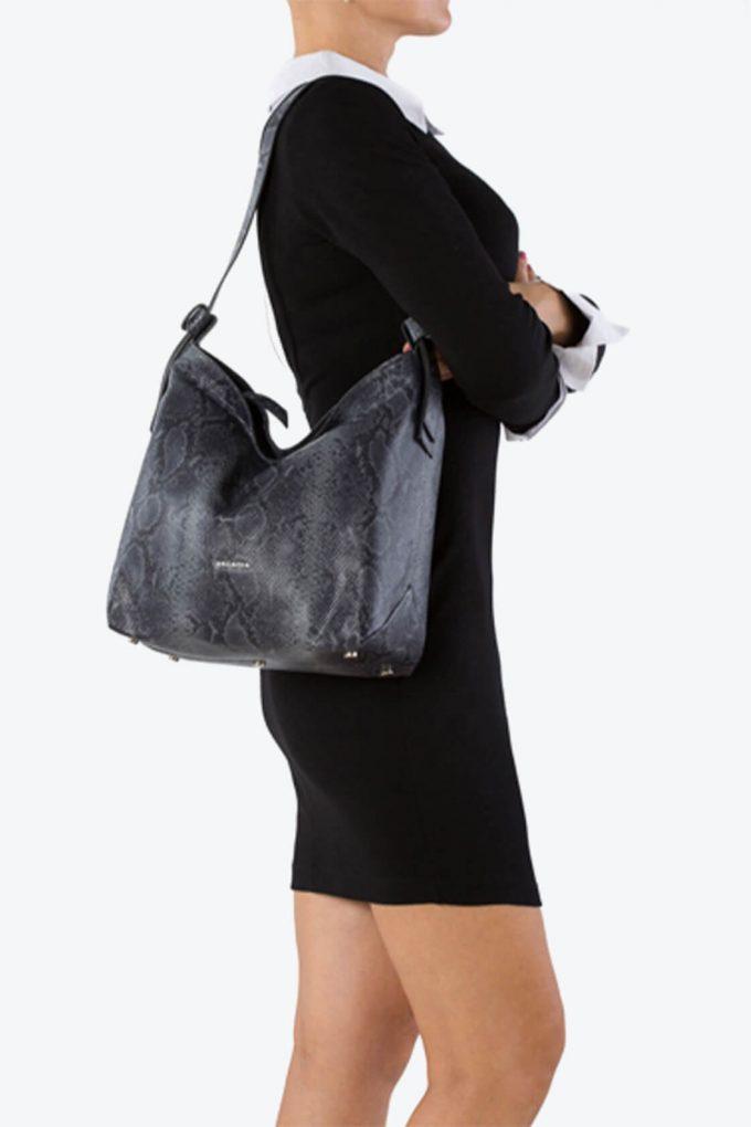 ol80000203 loulou hobo shoulder bag 5