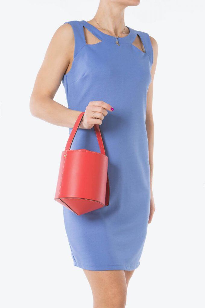 ol80000234 diamond trottola small bucket bags 6