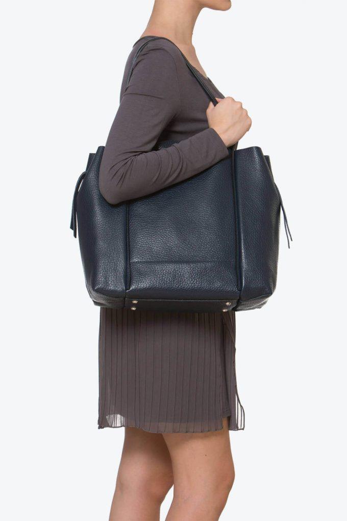 ol80000263 kiras large shoulder bag 4