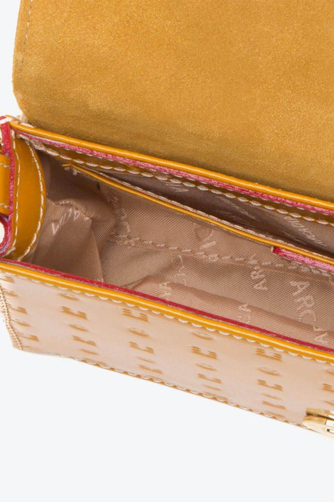ol80000289 laura flap mini cross body bag 3