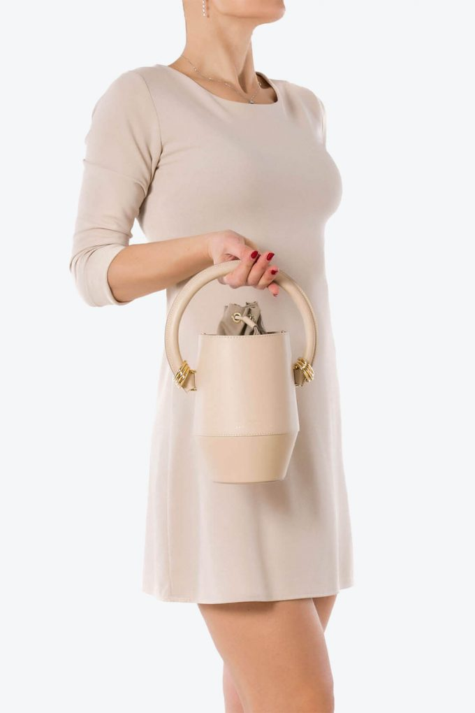 ol80000317 clay small bucket bag 4
