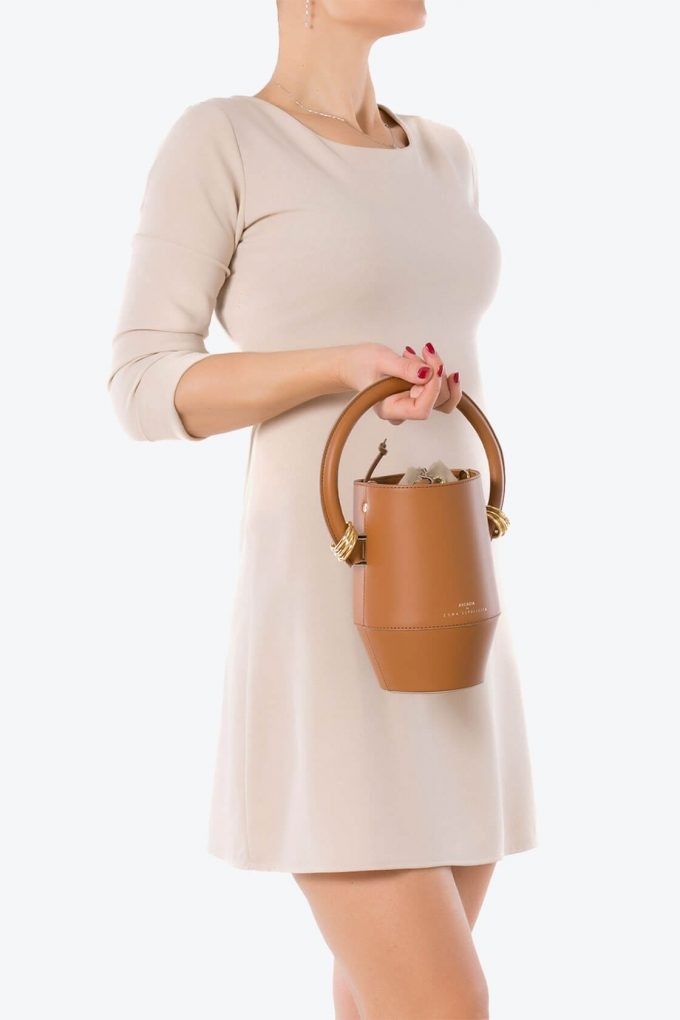 ol80000318 clay small bucket bag 4