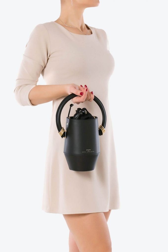 ol80000319 clay small bucket bag 4