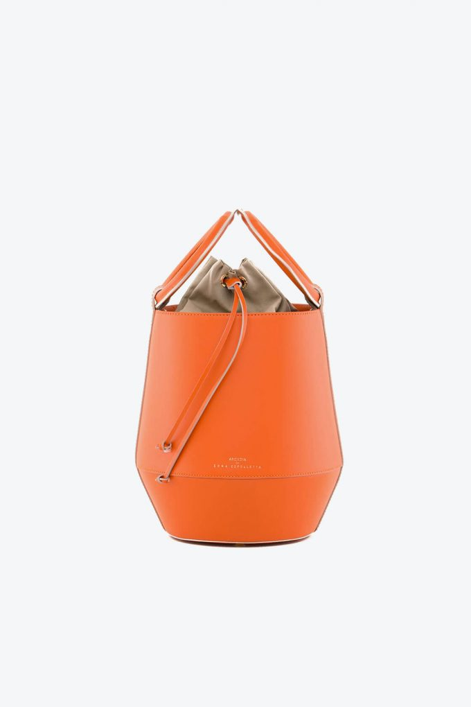 ol80000321 clay medium bucket bag 1b