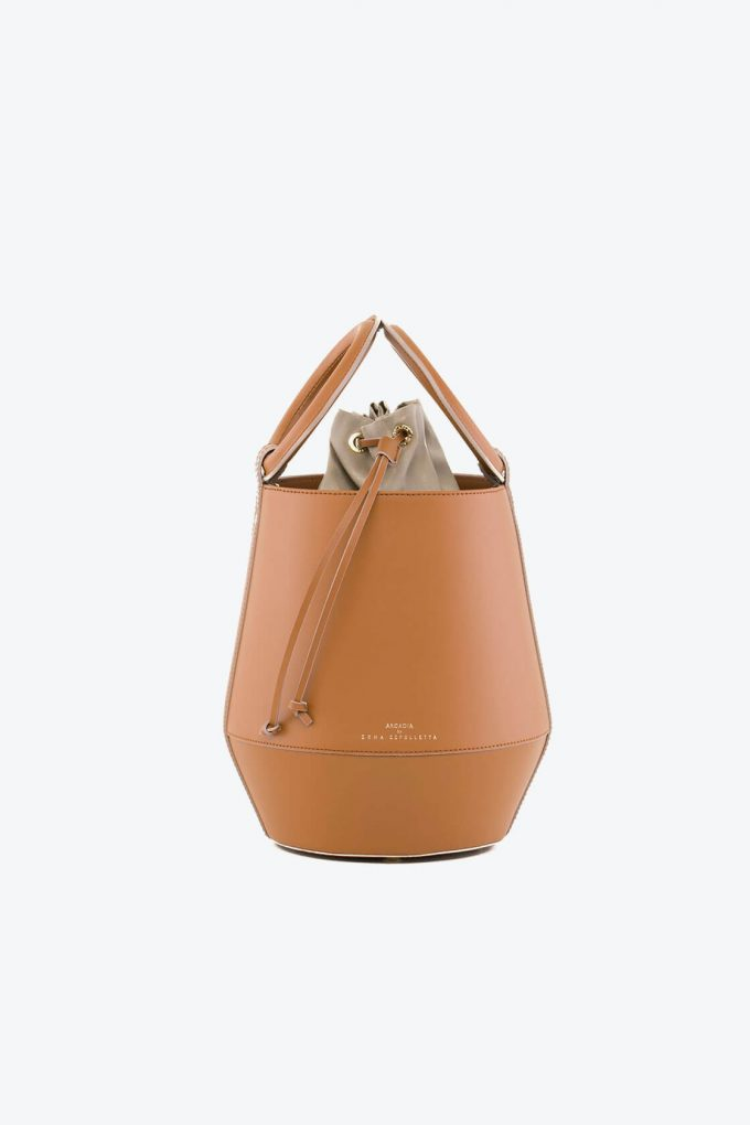 ol80000322 clay medium bucket bag 1b