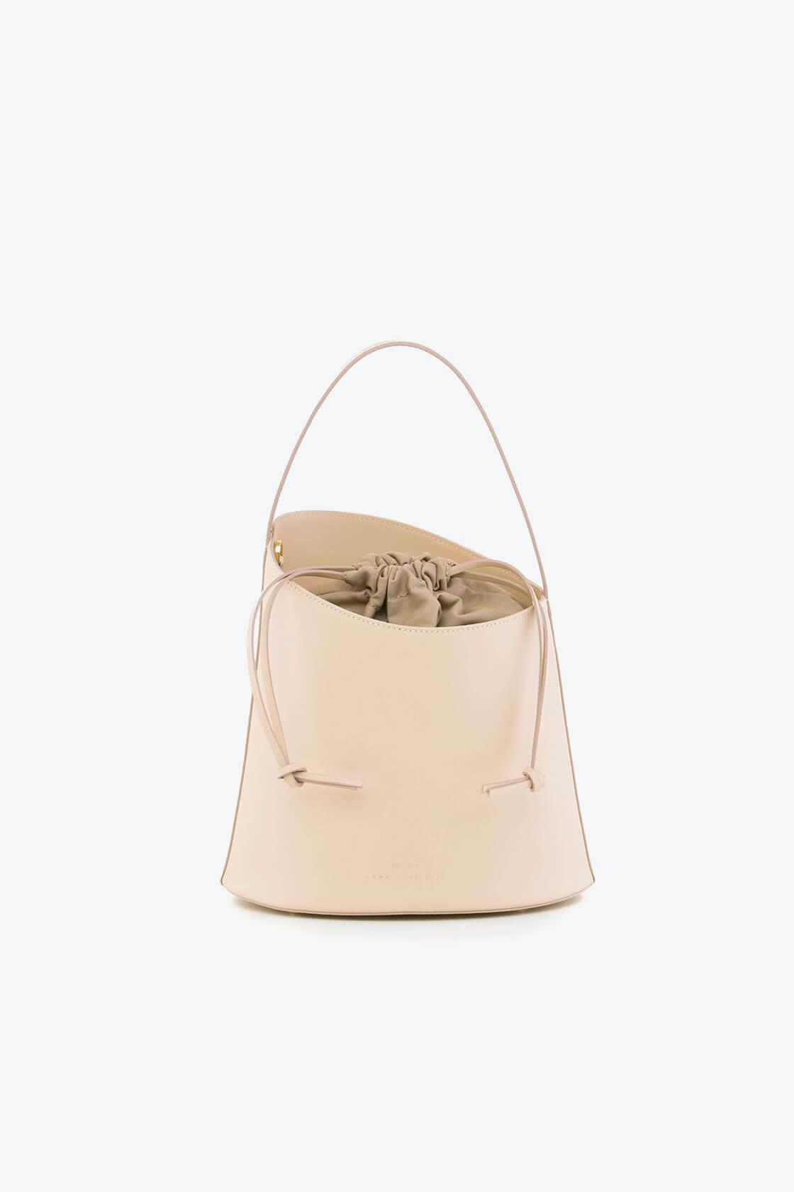 ol80000329 botanica medium bucket bag 1