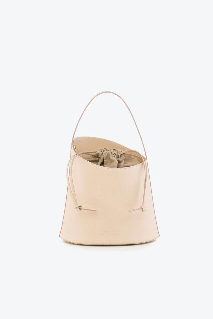 ol80000329 botanica medium bucket bag 1b