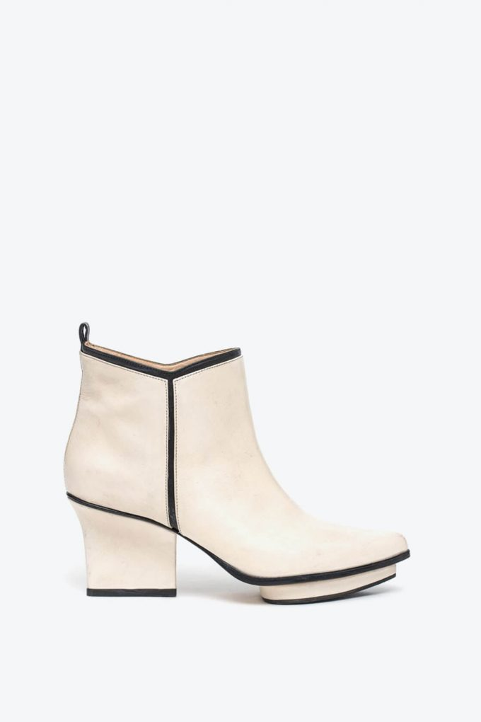 EJK0000003 Glenn ankle boots cream 1B