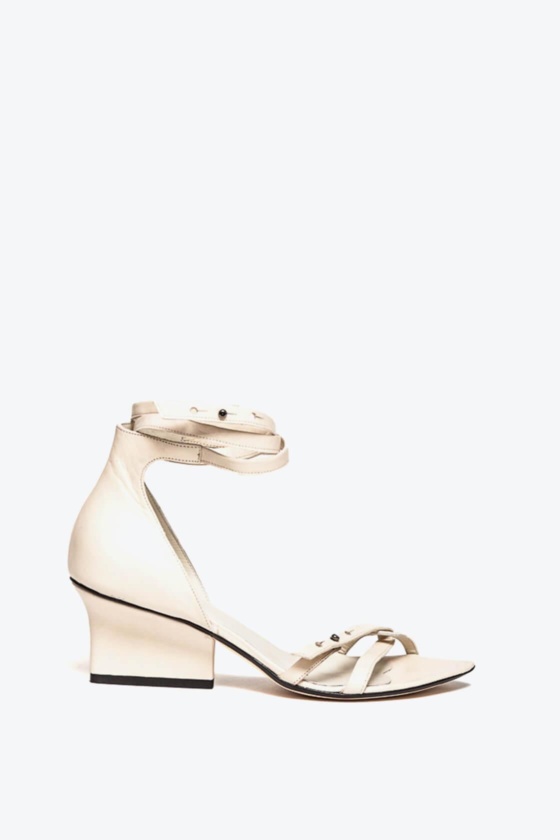 EJK0000009 Sid strappy sandals cream 1